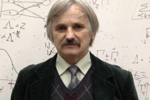 Prof. dr hab. Józef Barnaś